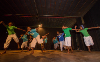 Fandraisan'ireo ankizin'ny fikambanana tamin'ny hetsika « Danse pour la paix »